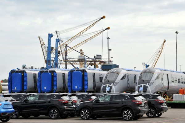 Five fully-finished Transpennine Express train carriages arrive at Port of Tyne